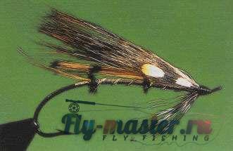 Тело мушки выполнено из металлического плоского люрекса (tinsel)