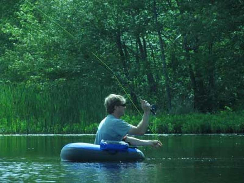 Рыбалка с нахлыстового плотика